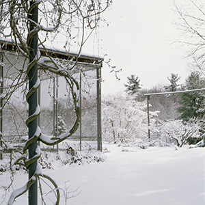 Screen porch winter 300 x 300